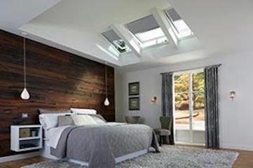 VELUX Energy Performance Model skylights are fixed skylights or manual skylights with a solar-powered blind.