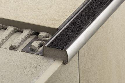 Schluter®-TREP-FL | Cover the Sub-Assembly | For Stairs | Profiles | schluter.com
