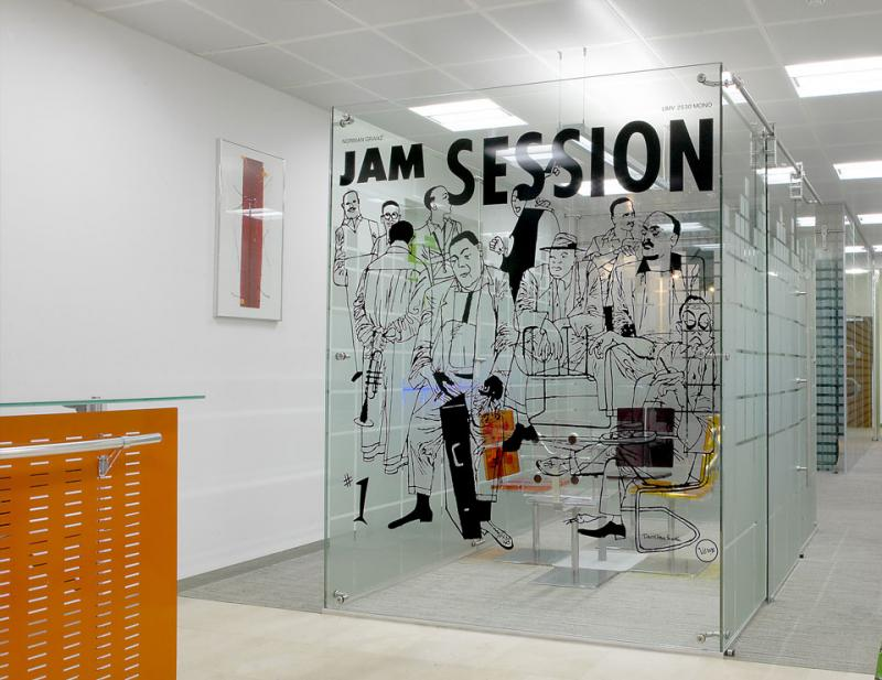 Freestanding Glass Walls & Partitions