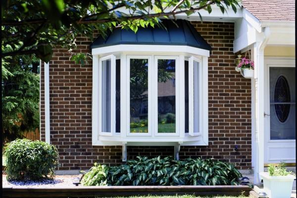 Replacement Bay Windows & Bow Windows | Simonton Windows & Doors