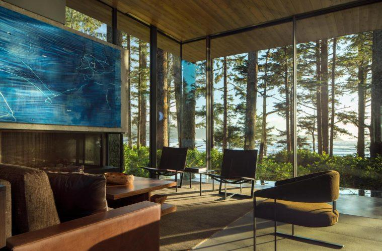 Modern Home Surrounded by Nature - Ocean Home magazine