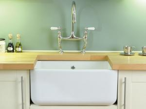 Contemporary Butler Kitchen Sink