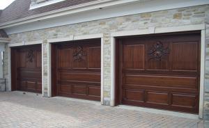 Portes Bourassa   Wooden garage door - Tudor Style #023