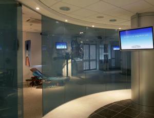 Single Glazed Glass & Herculite Doors