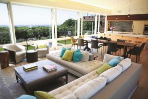 The Bridge House on Martha's Vineyard - Ocean Home magazine